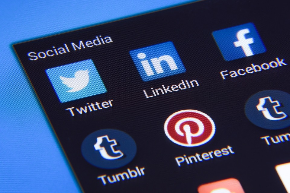 Bring Business to Your Website with Social Media Advertising